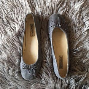 Steve Madden Bees Grey Suede Ballet Shoe 8